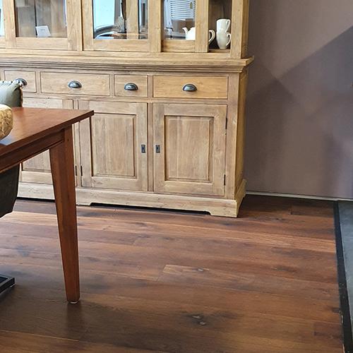 Gebakken eiken houten vloer