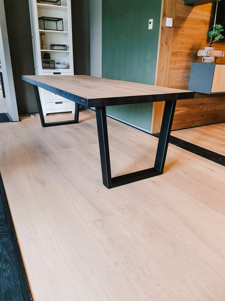 Eiken tafel Trapezium